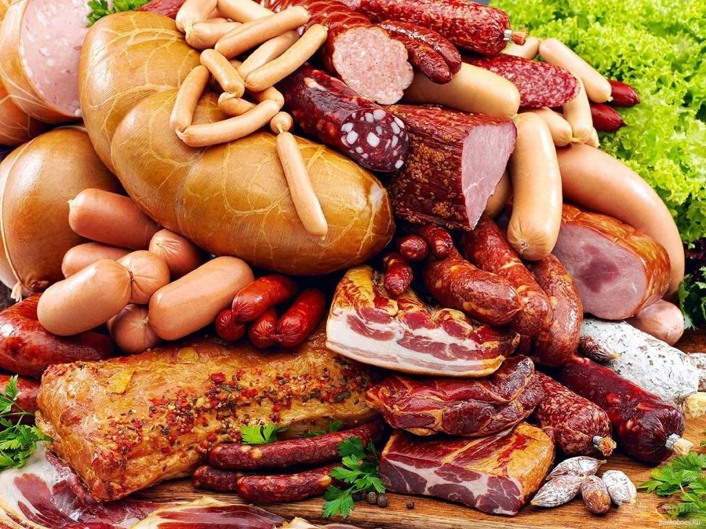 Вызывают ли мясо и колбаса рак: интервью с врачом-диетологом
