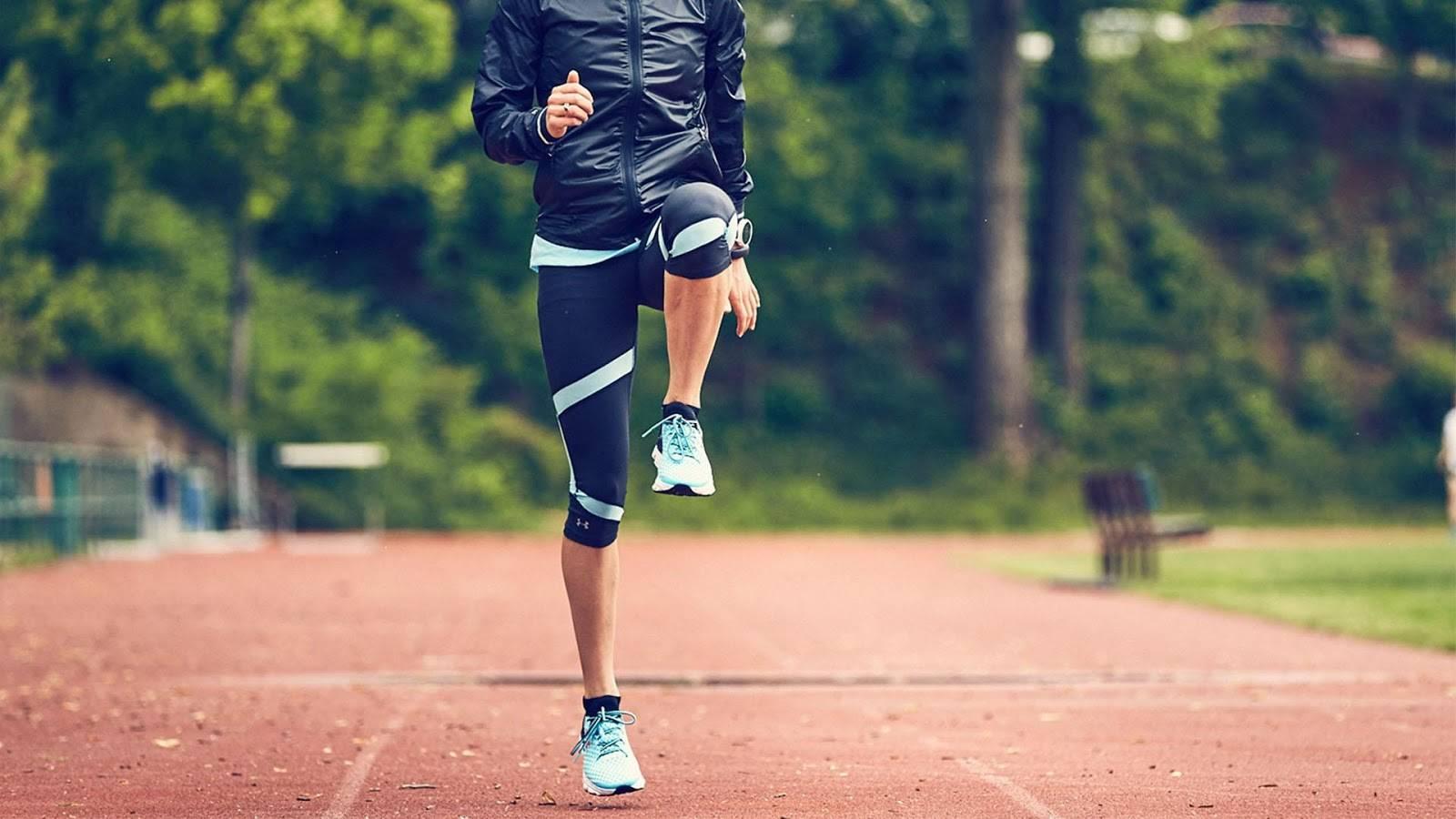 Как правильно разминаться перед бегом: топ-10 упражнений для разминки перед пробежкой