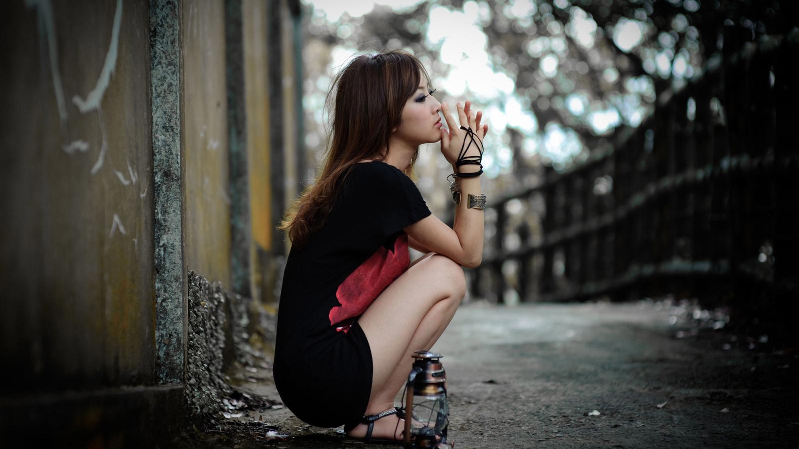 Почему красивые девушки часто одинокие?