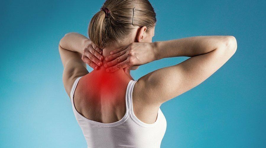 Перенапряжение мышц во время физических нагрузок в фитнесе и бодибилдинге