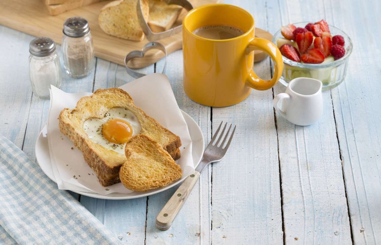 5 причин поесть перед сном на диете: нет, не помешает похудению, это полезно