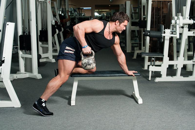 Самые эффективные упражнения с гирей