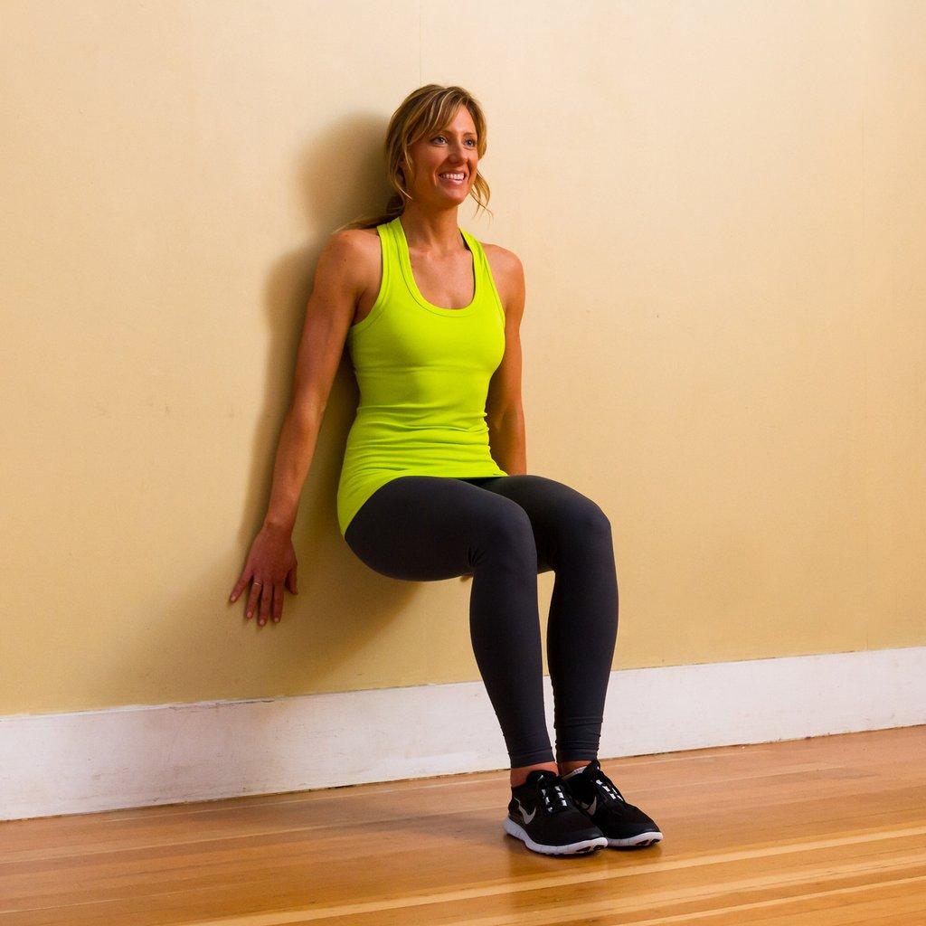 Польза приседаний для женщин: преимущества и варианты упражнения