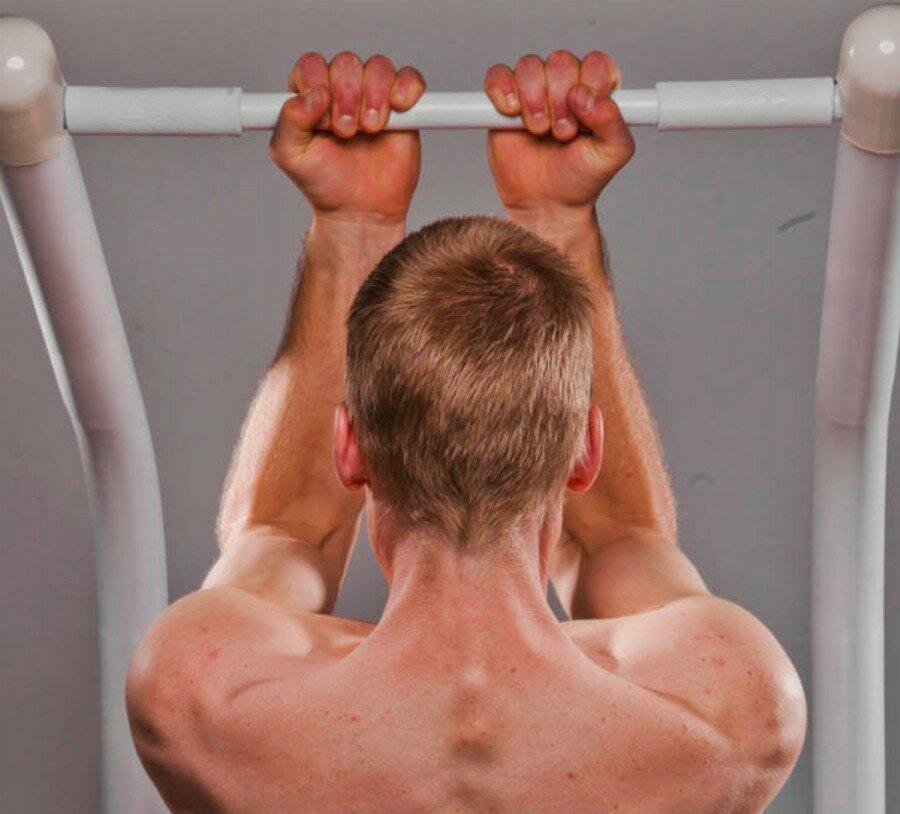 Лучшие упражнения для тренировки спины на турнике