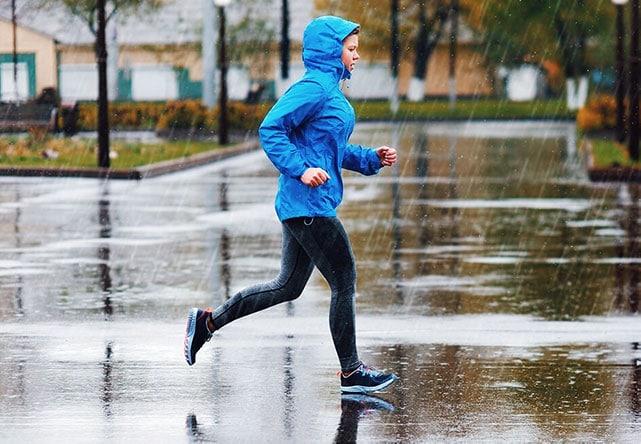 Одежда для бега зимой: в чем бегать на улице, как одеваться