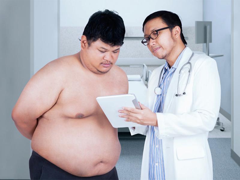 Налог на лишний вес разгневал пользователей социальных сетей, люди предлагают начать худеть чиновникам