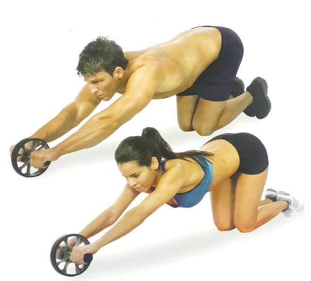 Упражнения для прокачки пресса с гимнастическим роликом!