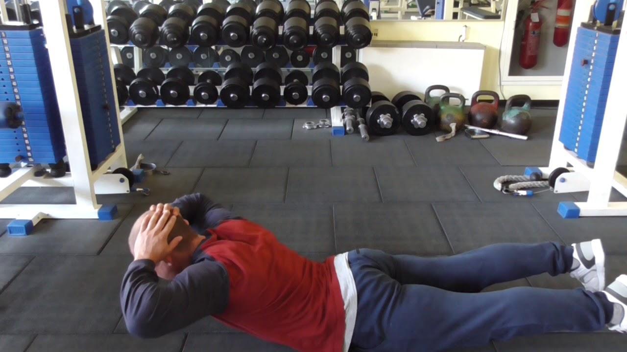 Упражнение гиперэкстензия: техника, ошибки и основные достоинства
