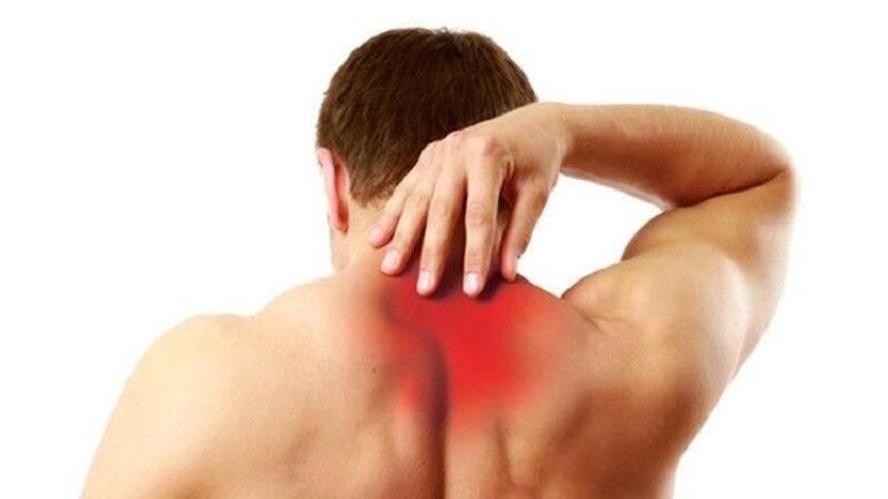 Боли в спине в области лопаток: причины, симптомы, лечение и диагностика