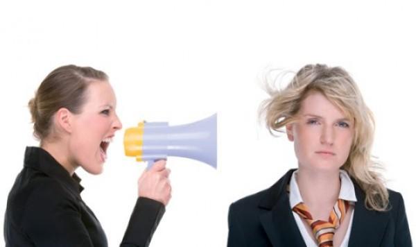 19 советов, как правильно реагировать на критику в свой адрес и не обращать внимания на критикующих вас людей | kadrof.ru