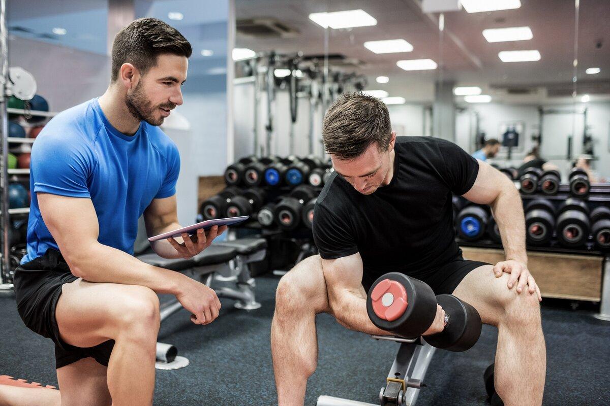 Базовые упражнения в тренажерном зале: лучшие комплексы для новичков