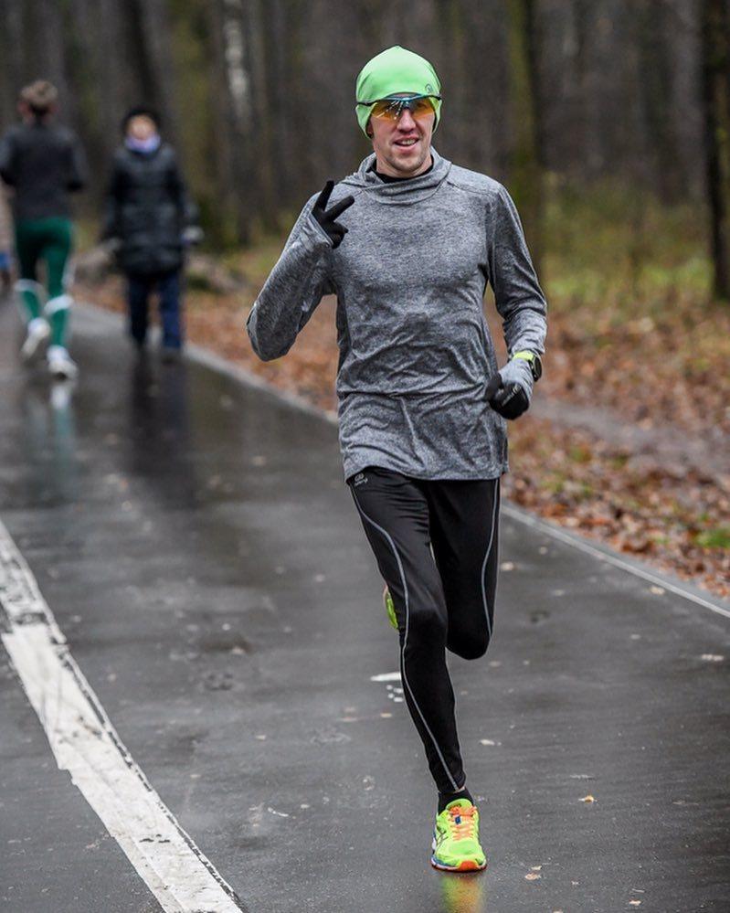 Одежда для бега зимой: спортивная форма для зимнего спорта на улице, в чем лучше бегать в зимнее время, в какой одежде