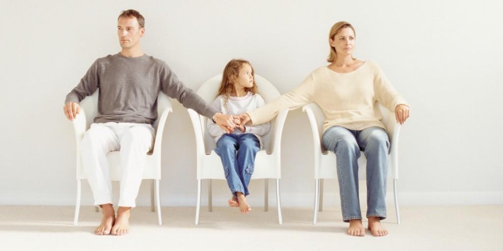 Почему нужно жить отдельно от родителей? (7 основных причин)