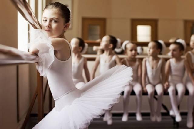 В балетной школе венской оперы детям советовали курить ради худобы