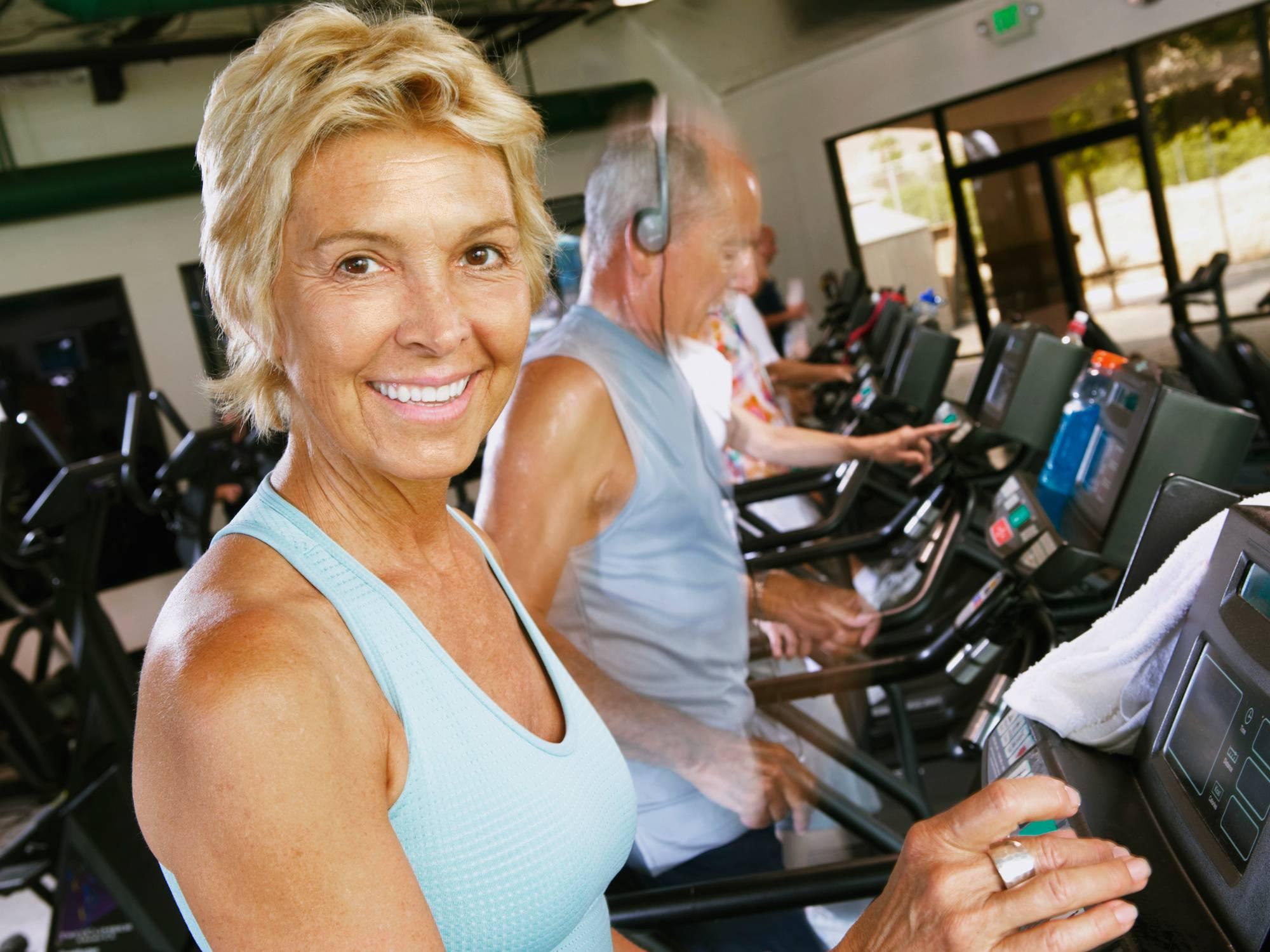 Фитнес после 60 для женщин – лучшие упражнения