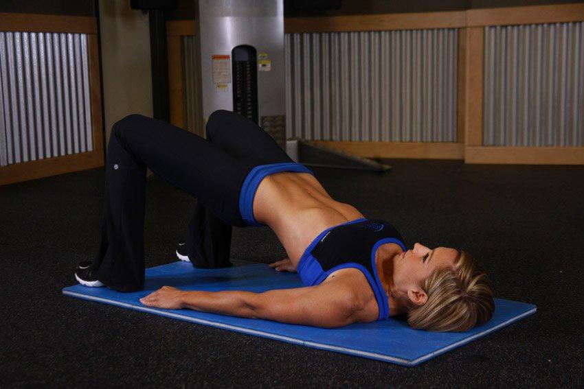 Подъем таза лежа на спине. польза от упражнения и техника выполнения