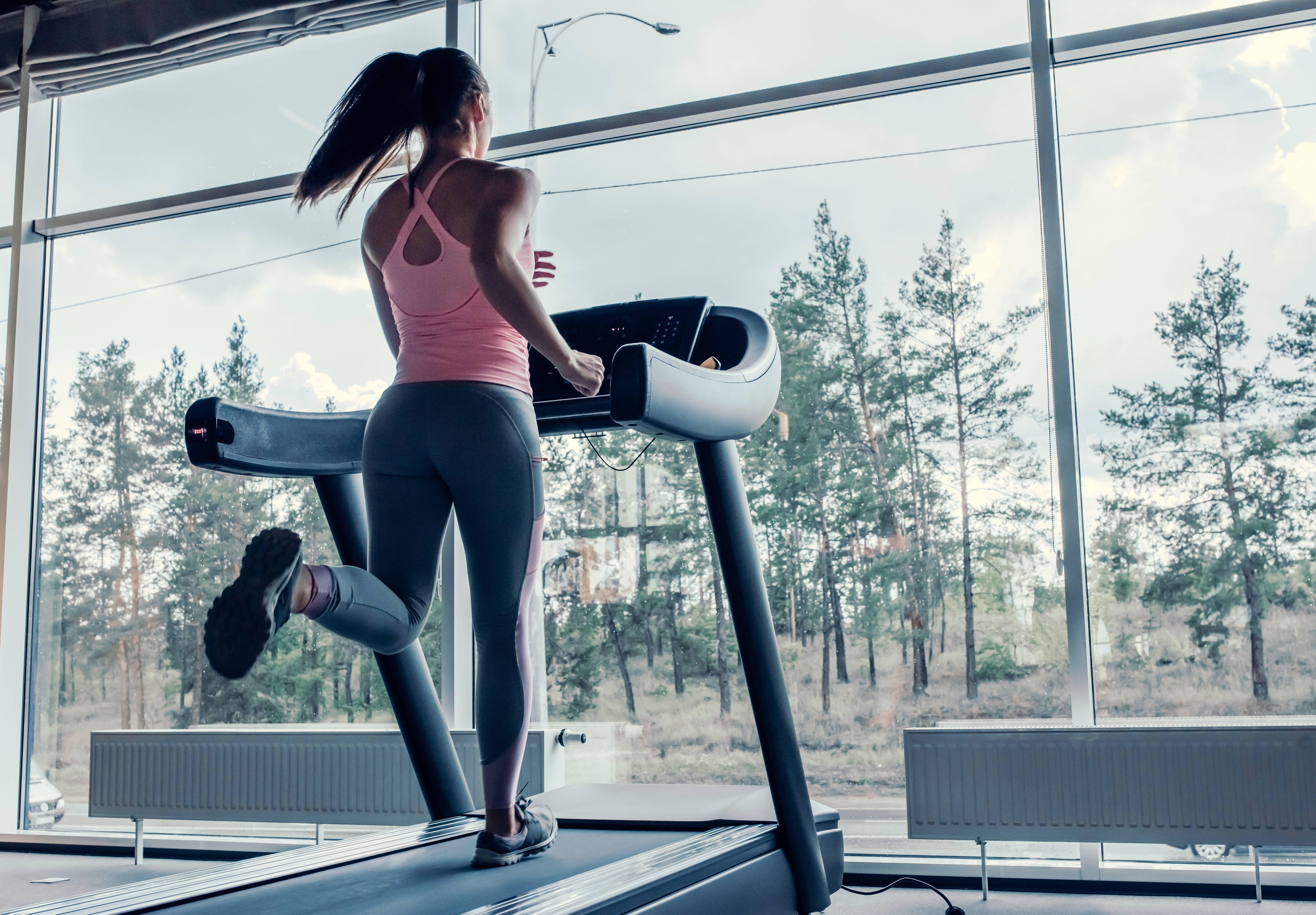 Кардиотренировки для зала и дома: 4 примера тренировок