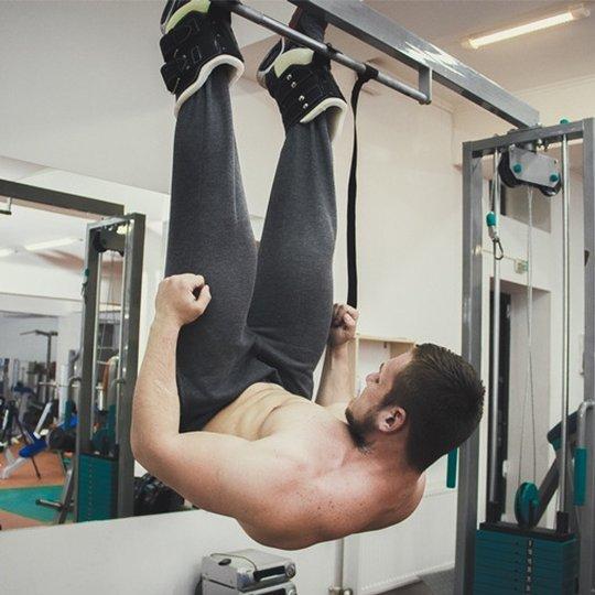 Висим вниз головой. метод инверсии и упражнения для увеличения роста.