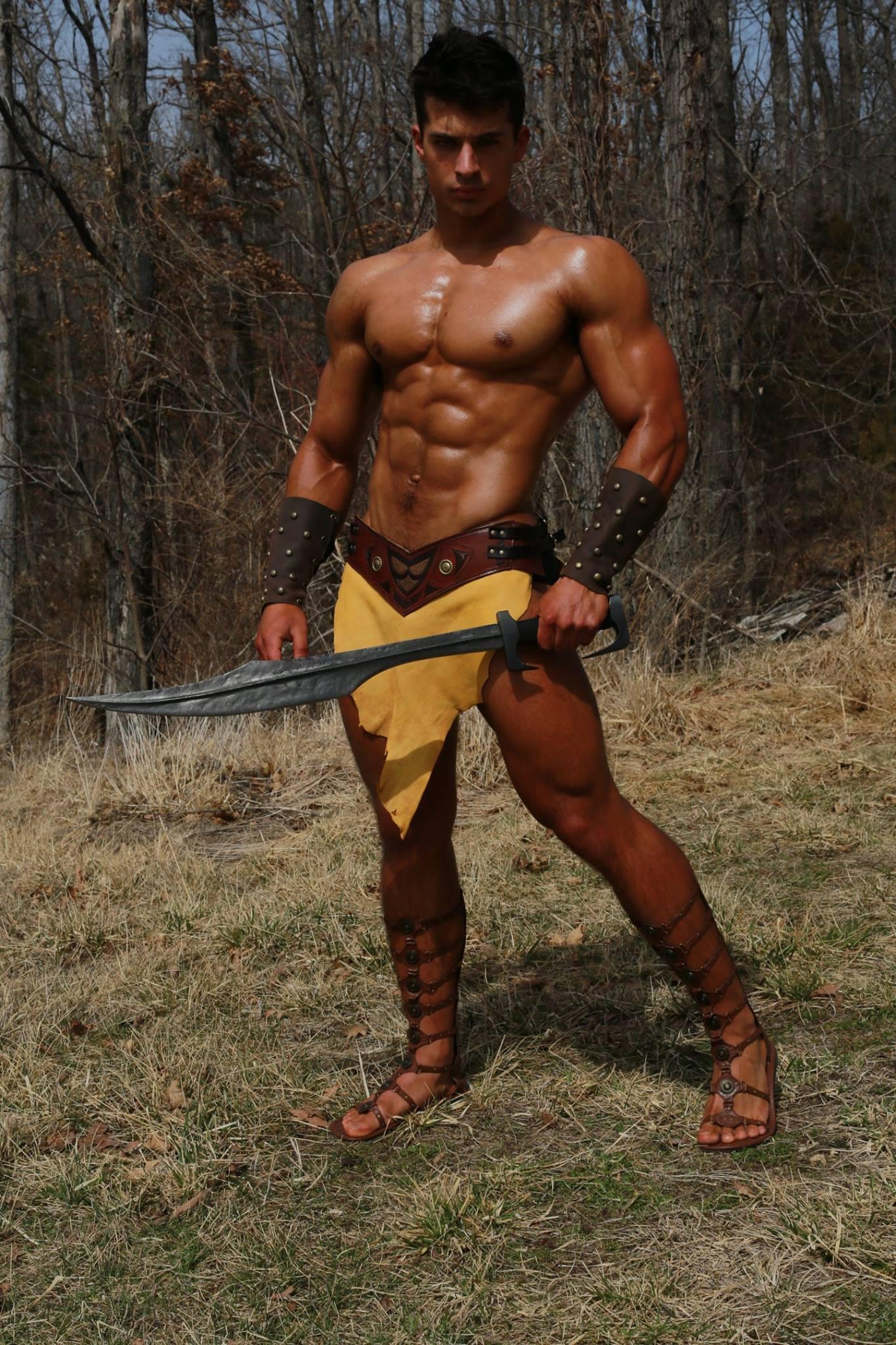 Мускулистое тело – главное оружие современных мужчин. накаченное тело мужчины