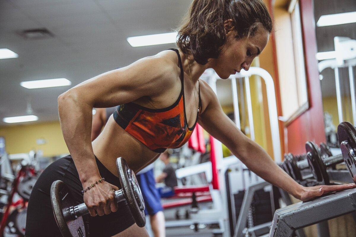 Программа силовой тренировки в домашних условиях для девушек