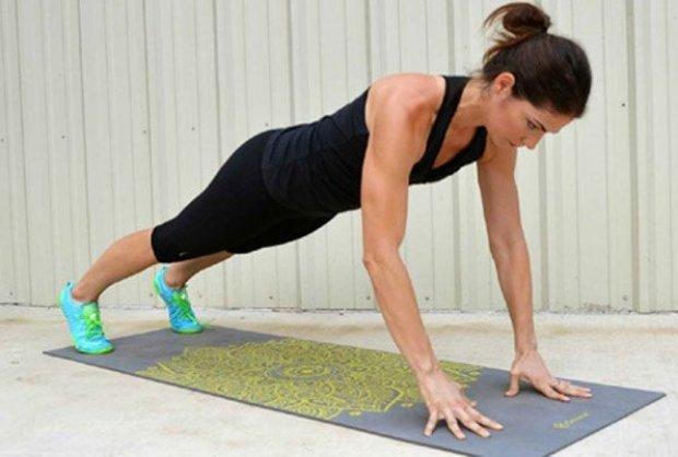 Что дают отжимания на кулаках: все тонкости упражнения