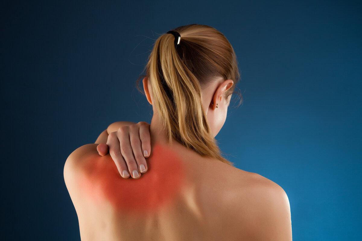 Боль под левой лопаткой сзади со спины - возможные причины и лечение!