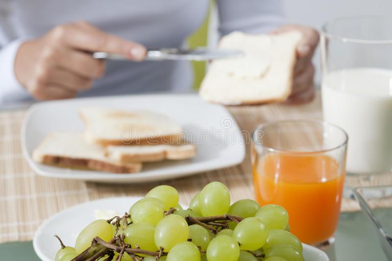 13 продуктов, которыми никогда нельзя завтракать (да и вообще лучше не есть)   lisa.ru