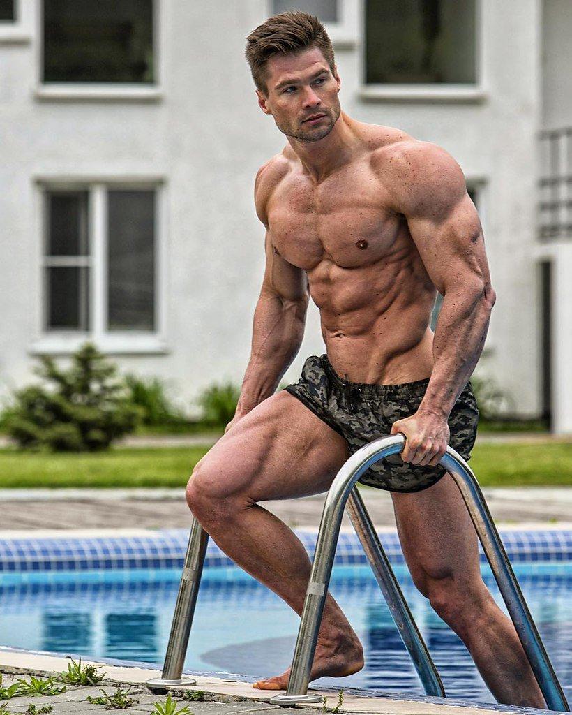 Бодибилдер денис гусев - советы по сушке тела и набору мышечной массы, лучшие упражнения на спину и грудь от дениса гусева с видео