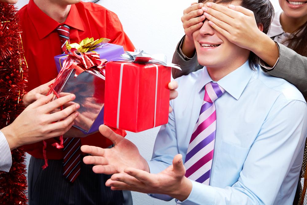 Приметы о подарках для девушки: что можно ей дарить, а что нельзя