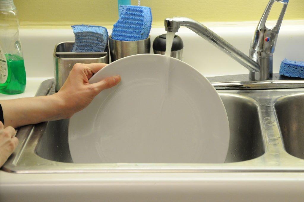 65% людей моют посуду неправильно! узнайте, в чем подвох