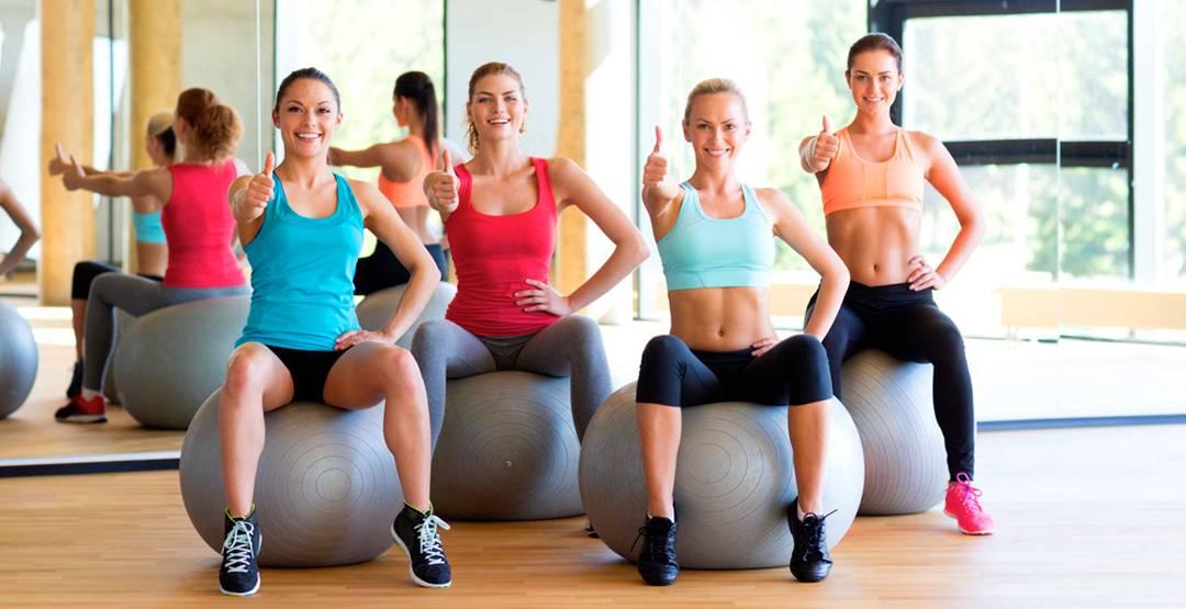 Можно ли заниматься спортом при варикозе (варикозном расширении вен на ногах): фитнесом, ходить в тренажерный зал, нижних конечностей, какие упражнения можно делать, нельзя, тренировки, каким видом, силовые, противопоказаны