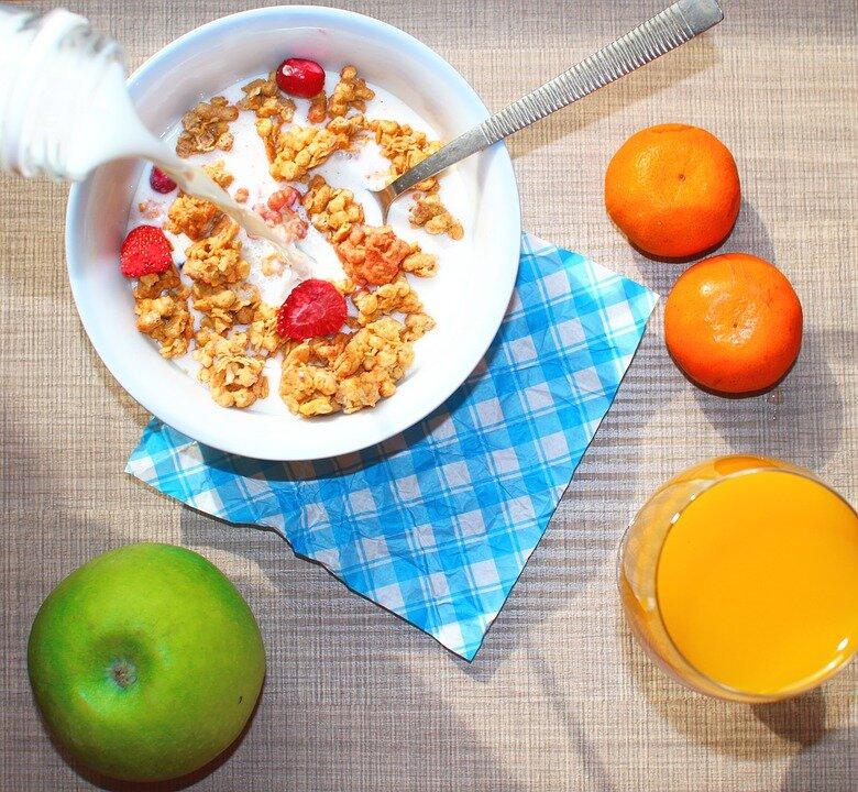 Что полезно есть на завтрак: рекомендации по правильному питанию