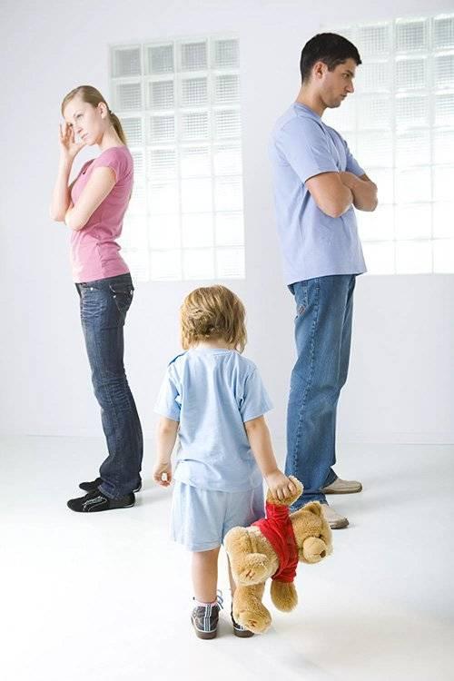 Стоит ли жить с родителями?