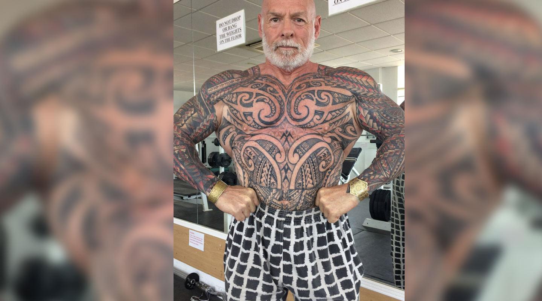 90% тела этого качка покрыто татуировками