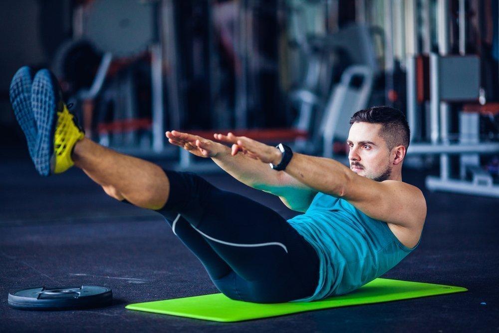 Упражнение лодочка для спины: польза, техника выполнения, какие мышцы работают