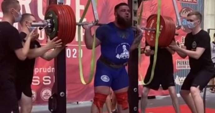 Мировой рекорд в жиме штанги случайно установил мужчина в ростове