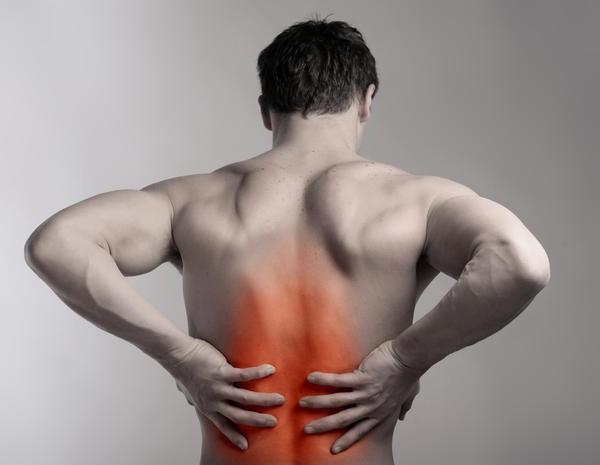 Боль в спине между лопатками – причины и возможное лечение