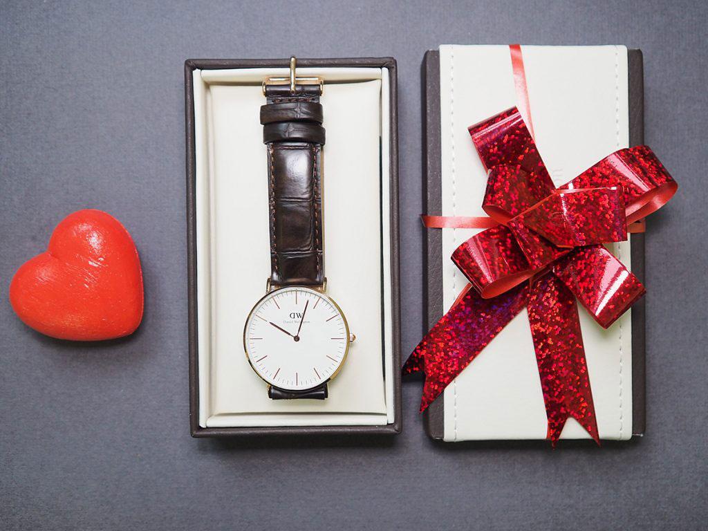 Что подарить мужчине на новый год 2020: идеи подарков, недорого и оригинально
