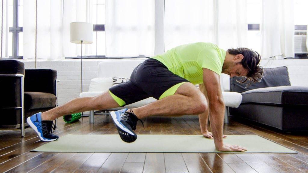 """Альтернатива бегу: упражнение """"альпинист"""", которое прокачает пресс и бедра (+видео)"""