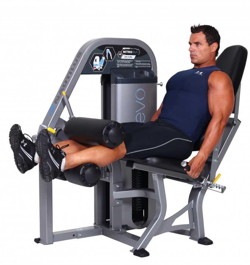 Сгибание ног на тренажере: техника выполнения, основные ошибки и альтернативные упражнения