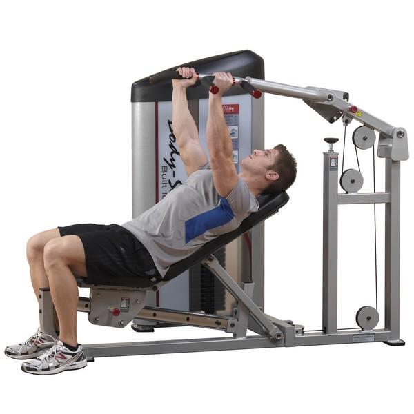 Как накачать грудные мышцы в тренажерном зале?