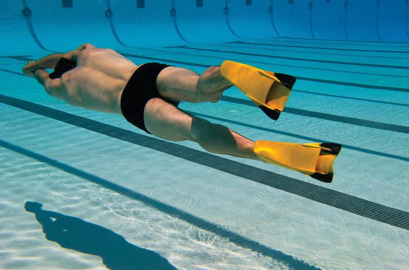 Польза и вред плавания в бассейне: мнение специалистов