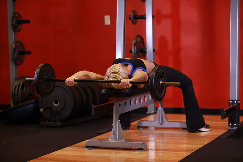 Упражнение пуловер - техника выполнения. какие мышцы работают?