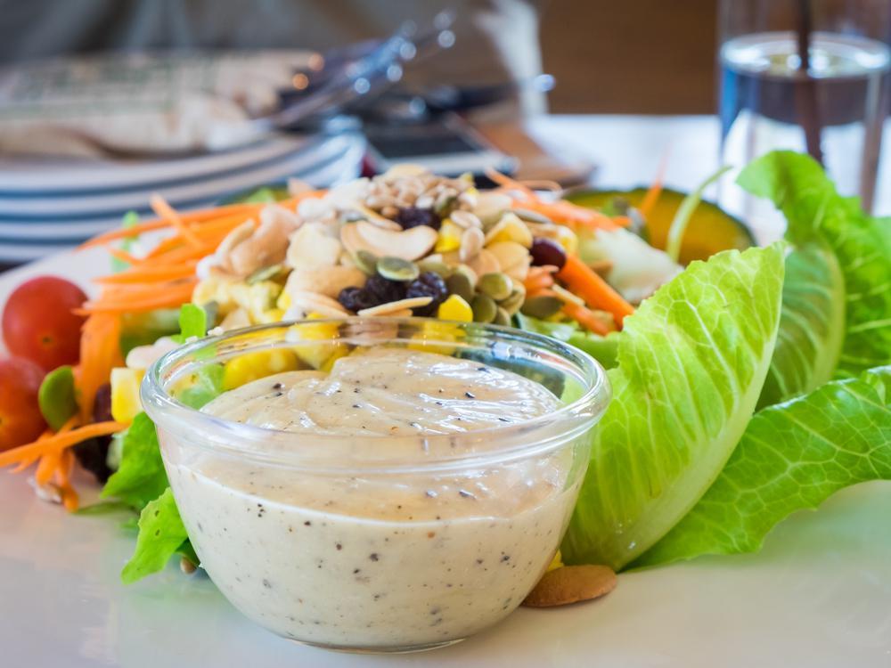 Какое масло лучше для салата – рафинированное или нет