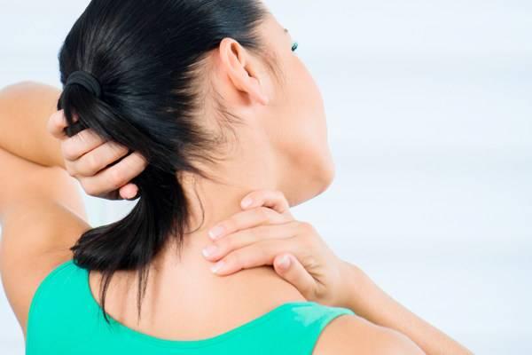 Чем лечить боль в шее - когда нужно обратиться к врачу, методы лечения