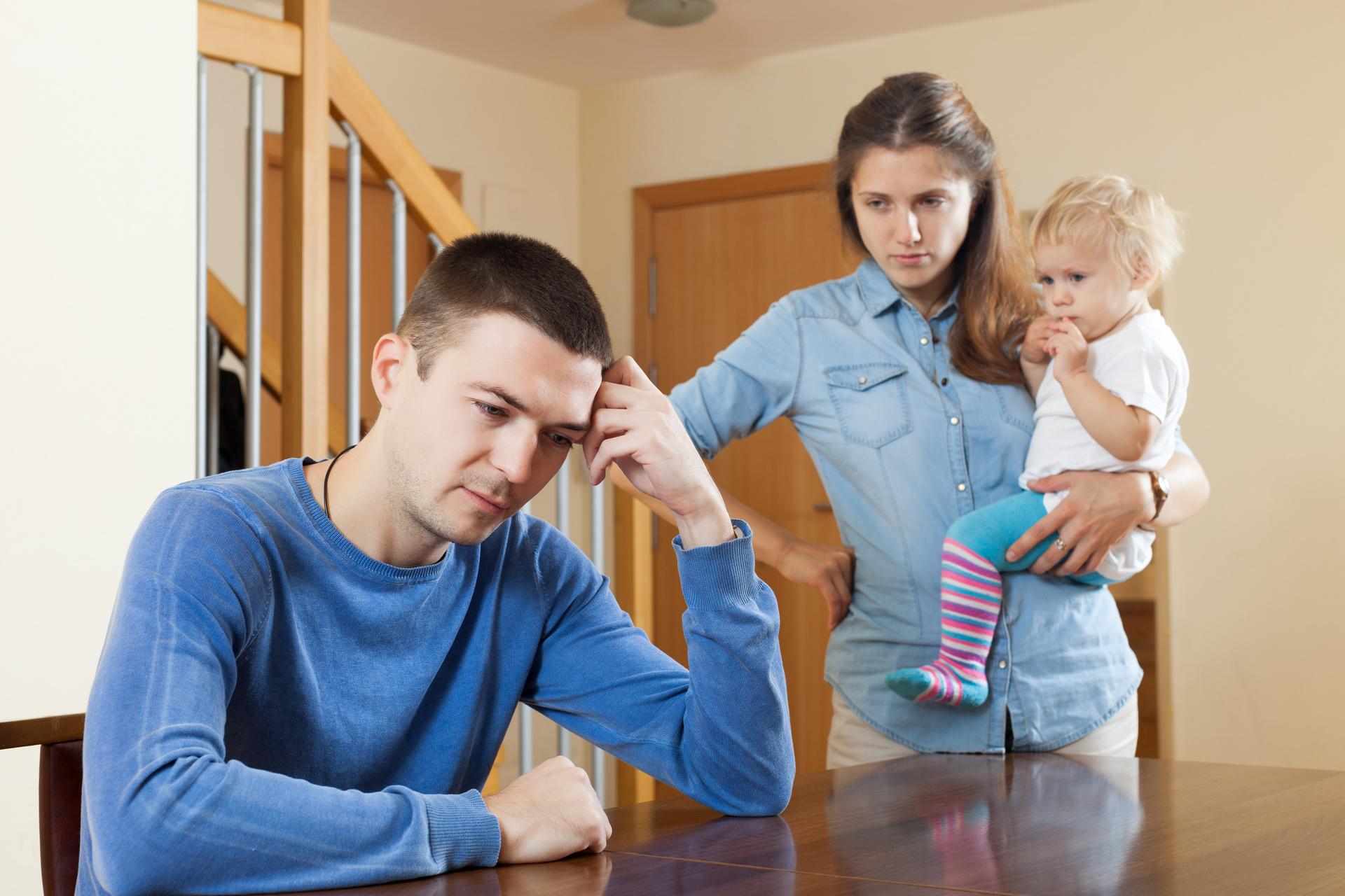 Жить вместе с родителями – плюсы и минусы совместного проживания с родителями