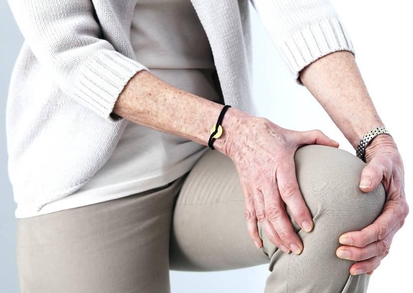 Болят кости и суставы (ломит все тело, руки, ноги): причины и лечение, что делать?