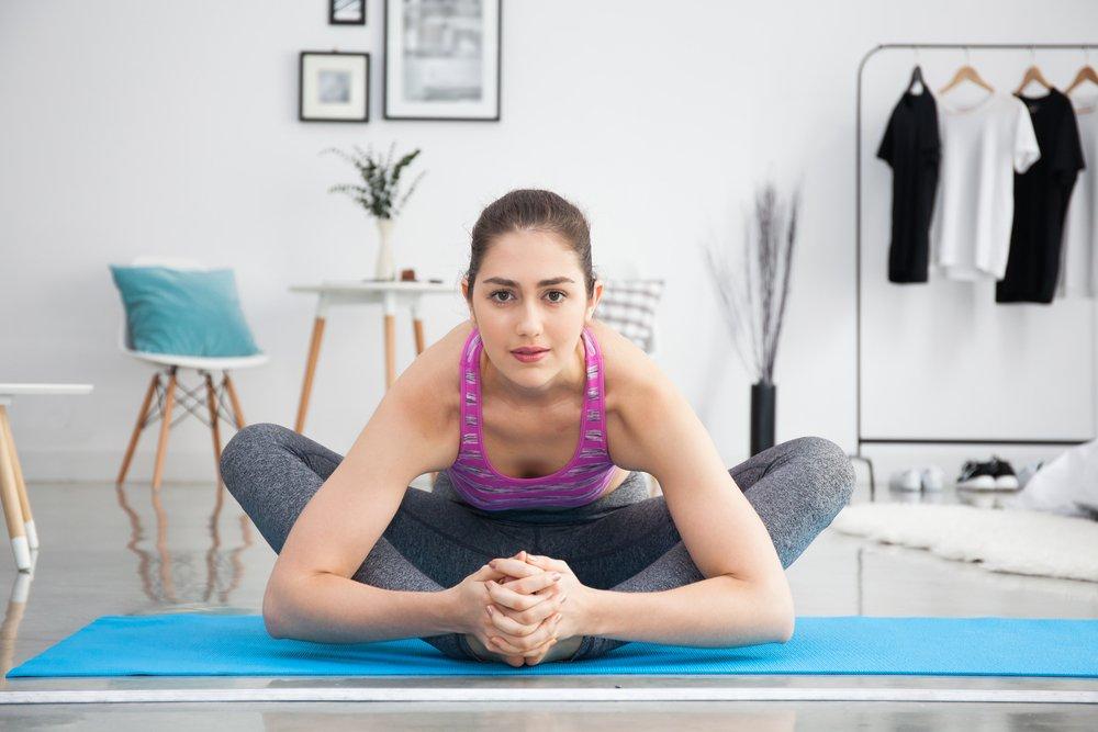 Упражнение лягушка — как правильно делать для растяжки мышц