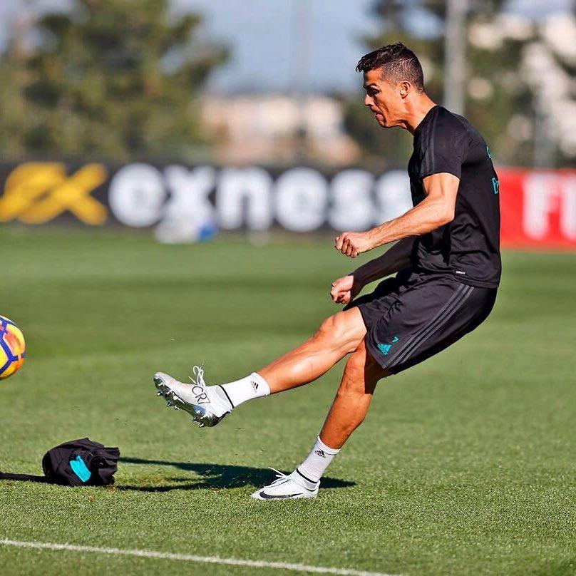 Тренировки Криштиану Роналду: программа для дома, принципы питания футболиста