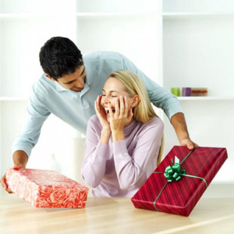 Что подарить девушке: идеи и подборки подарков